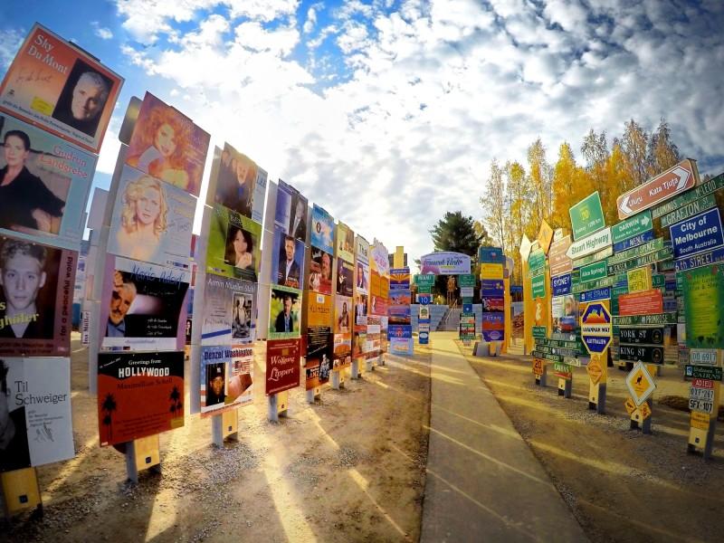 Fernweh-Park Signs of Fame - Im Kopfkino um die Welt